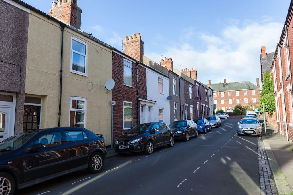 Bennison Street. One way! And narrow...