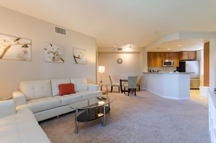 Lux 2BR/BA with pool in Central Silicon Valley - Sunnyvale - Appartement