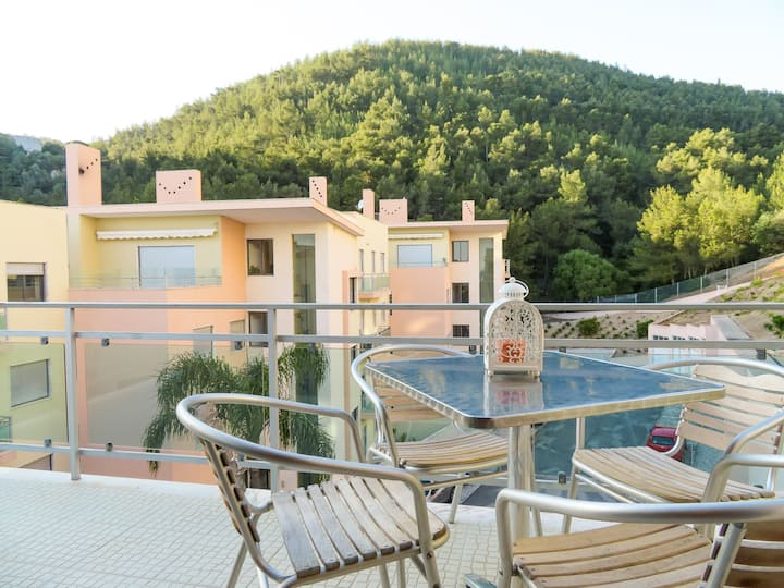Apartment 150m from the Beach(Free WiFi)
