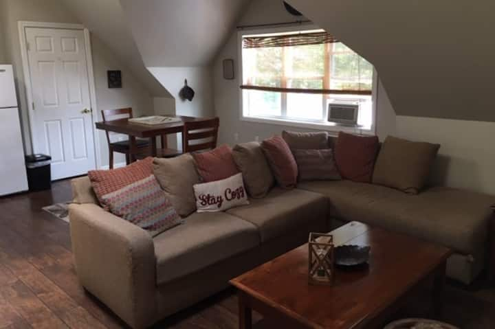 Carriage house apartment in downtown Lancaster