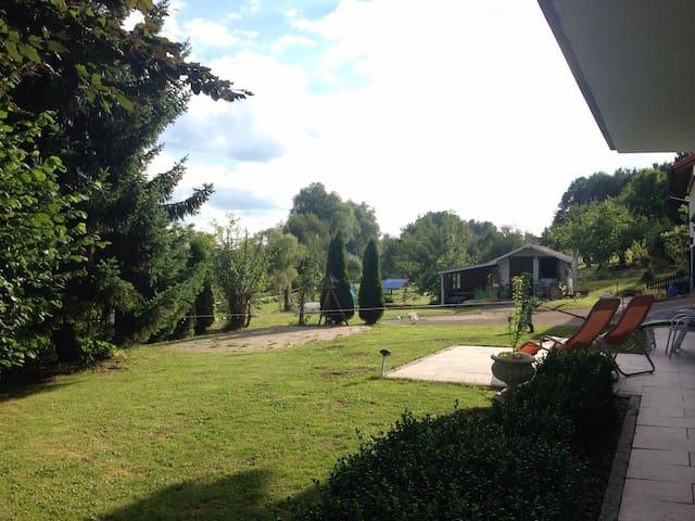 Garten mit angrenzender 3-Zimmer-Wohnung - Senden - Apartamento