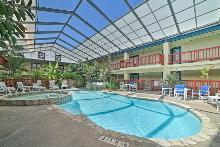 Coastal Condo w/ Amenities <1Mi to Whitecap Beach!
