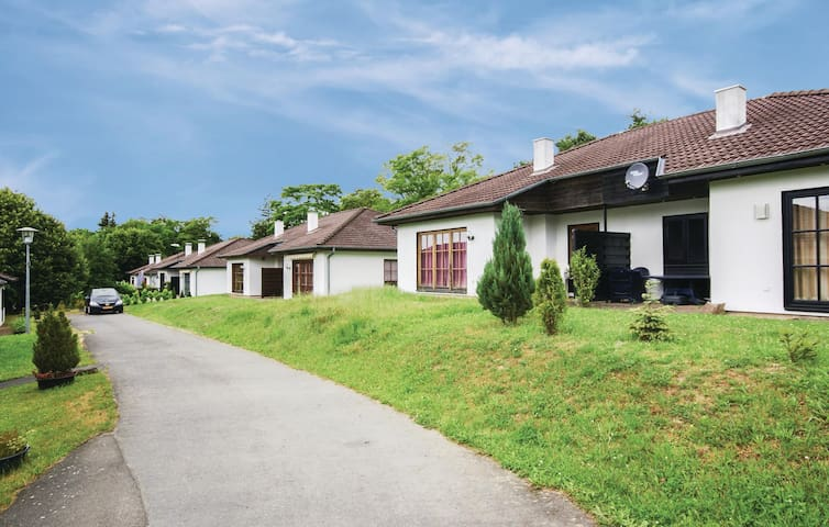 Semi-Detached with 3 bedrooms on 70m² in Frankenau