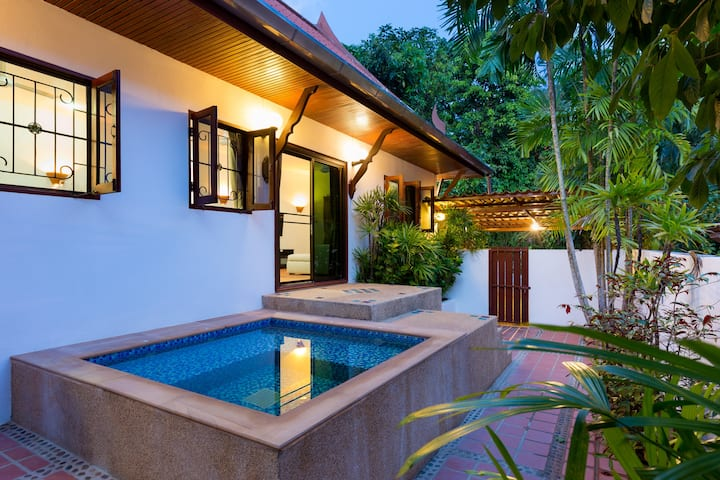 ☀️Thai Villa, Jacuzzi, Nature☀️2bdrs 500m to Beach