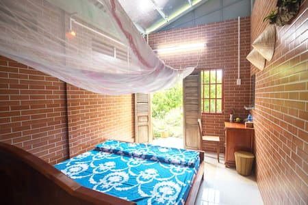 Single homestay (shared bathroom) - Rustic Cai Be