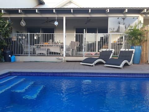 Tina's Sanctuary by the Beach, Resort Style Luxury