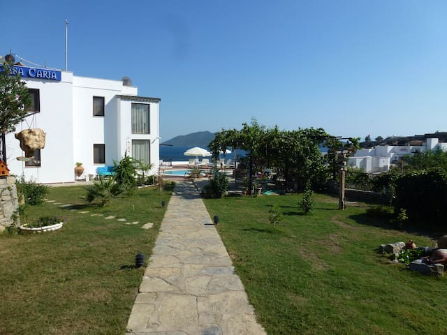 Well located, amazing view - Bodrum - Penzion (B&B)