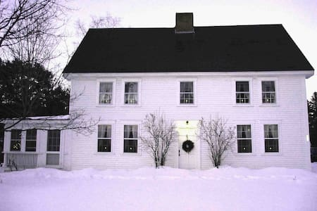 1795 Colonial in  Historic District - Canaan - Rumah