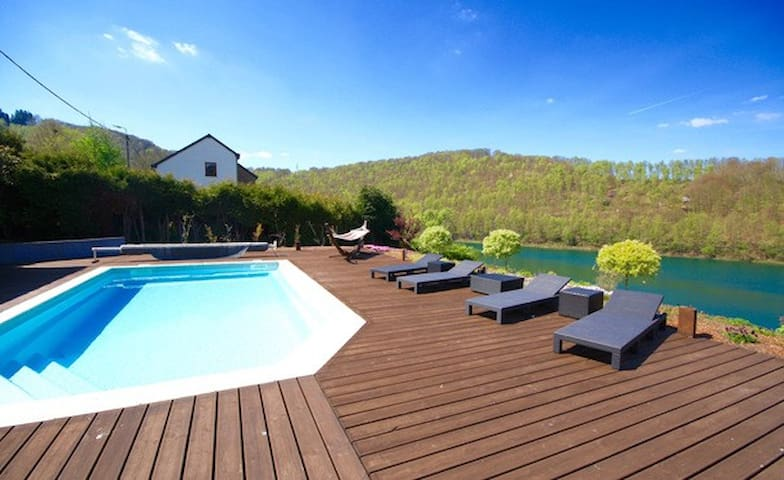 """Villa """"Grand Coo"""" **** pool and jacuzzi 7p + 1baby"""