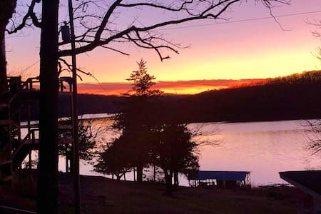 Sunset Cottage, Tablerock lake, Branson area