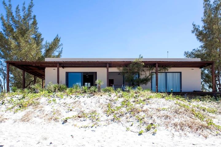 Modern beach house. Arraial do cabo