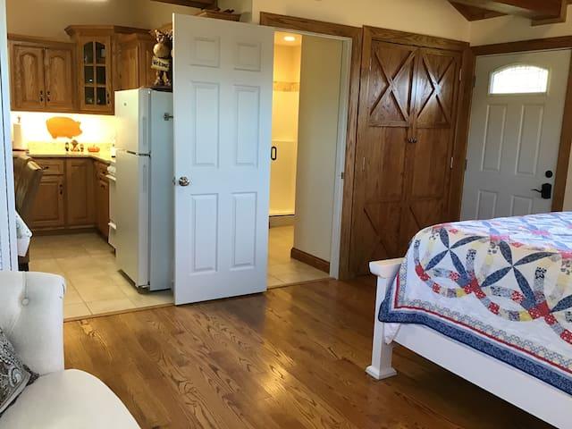 Red Bird Grey Cottage