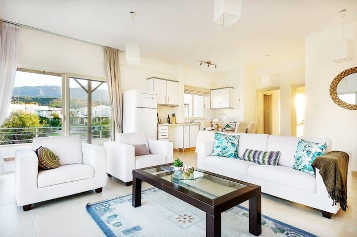 Stylish ESCAPE Penthouse - Esentepe - Apartament