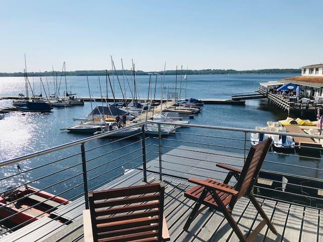 Pier1 Hafenkajüte am Cospudener See