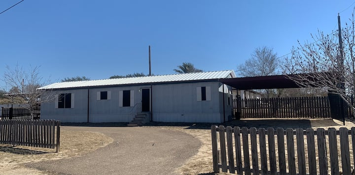 "Falcon Lake Fishing Lodge - ""Casa Pescador"""
