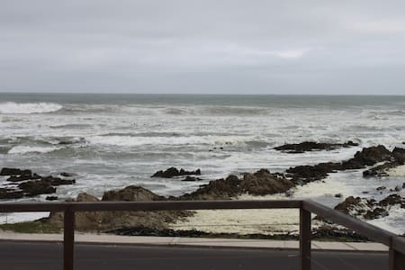 One bedroom apartmant right on the ocean - Franskraal