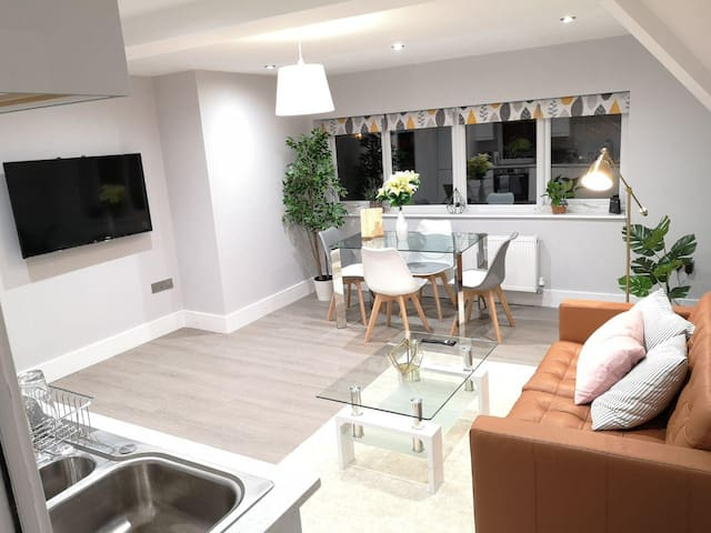 Tulip Apartment - The Heart of Reading Town Centre
