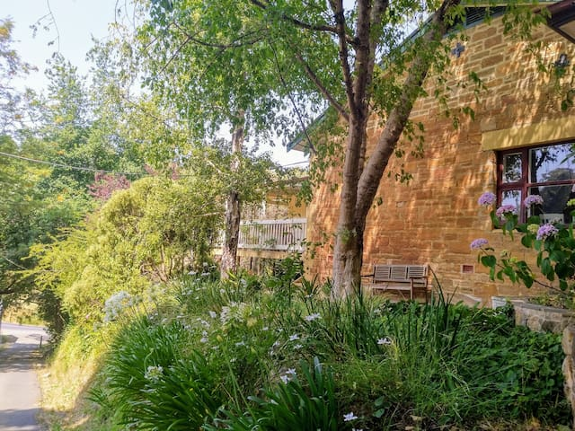 Enjoy Adelaide Hills with Friends and Family