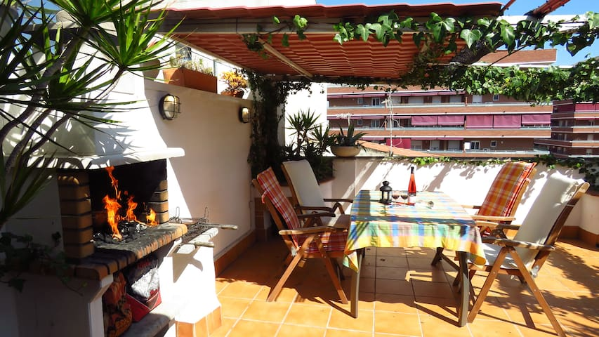 Penthouse Terrace & Grill, Aéroport BCN 5 km - Viladecans - Appartement