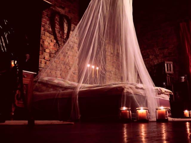 Romantisches Scheunenbett