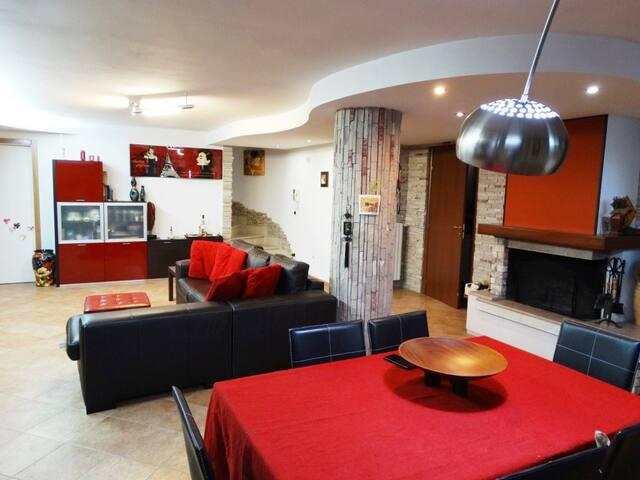 Loft taverna con autorimessa e home restaurant - Cavallino - อื่น ๆ