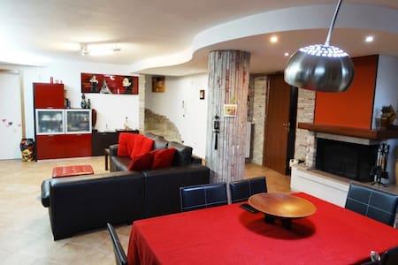 Loft taverna con autorimessa e home restaurant - Cavallino