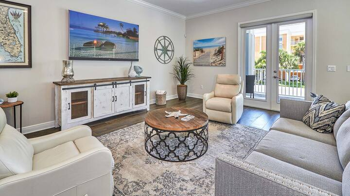 Luxurious Coastal Townhome just steps from the Beach (16313)