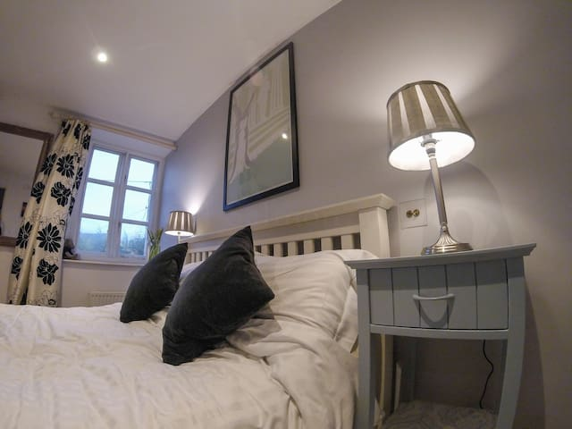 Charming double room in Cotswolds - Stratton - Hus
