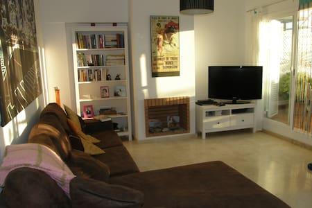 Modern 3-bed house near town, beach & port - Manilva