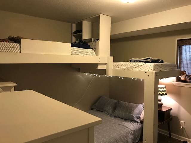 Cozy single family home sleeps 4 - Chattanooga - House