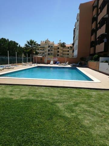 Albufeira T1 esplanada, piscina churrasco A/C