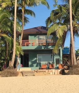Beau Beau Beach House  Kyway Chaing   Beachfront