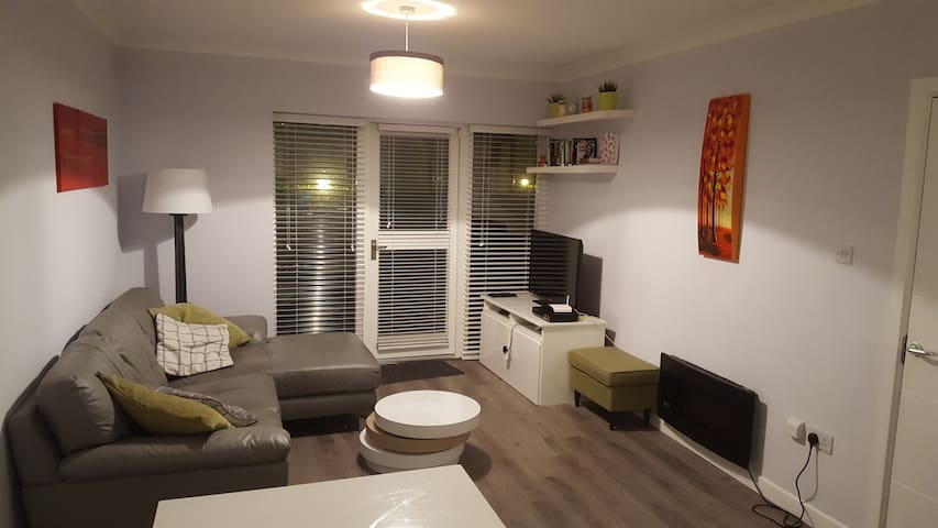 Spacious 2-Bedroom apartment in Good Neighbourhood - Clontarf - Apartamento