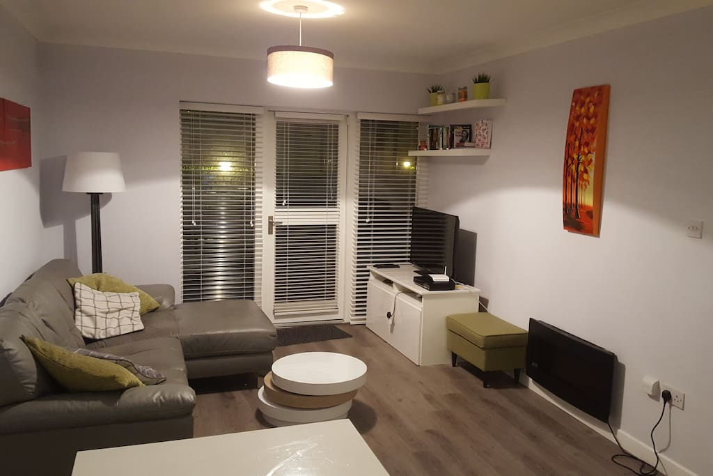 Spacious 2 Bedroom Apartment In Good Neighbourhood Apartments For Rent In Clontarf County