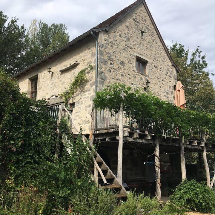 Ancienne Grange avec vue sur le Lot