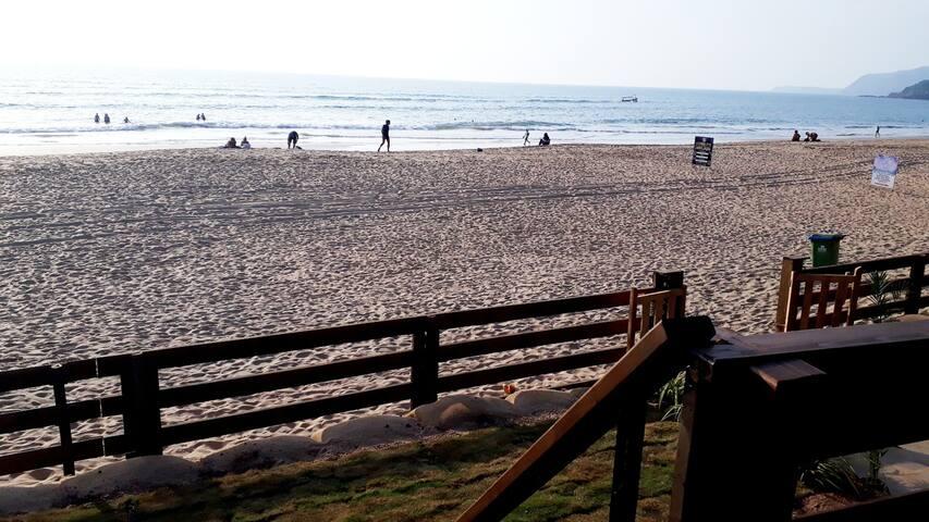 Lost Paradise - Agonda  Sea Front Cottages