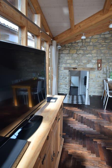 Blick ins Wohnzimmer von links
