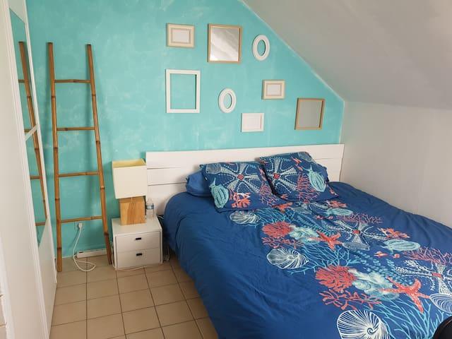 Chambre pour un couple  lit de 180 ou 2 lits de 90