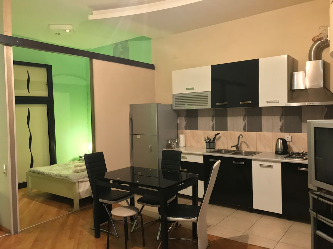 Common Space: kitchenette