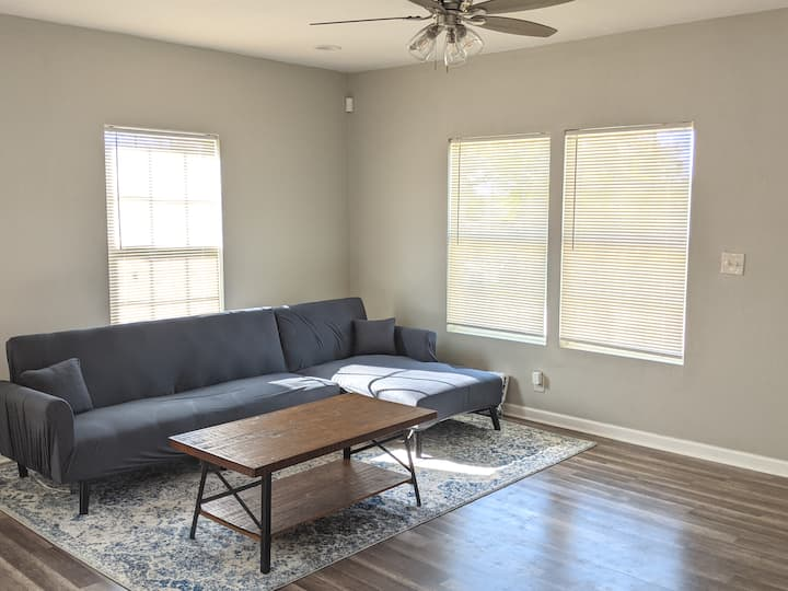 1 Month+ Fort Worth Room