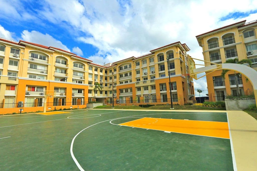 Basketball court is free of charge