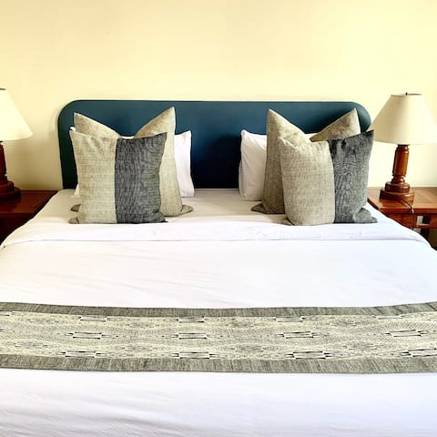 The Riverhouse-Single/Double Room-City View