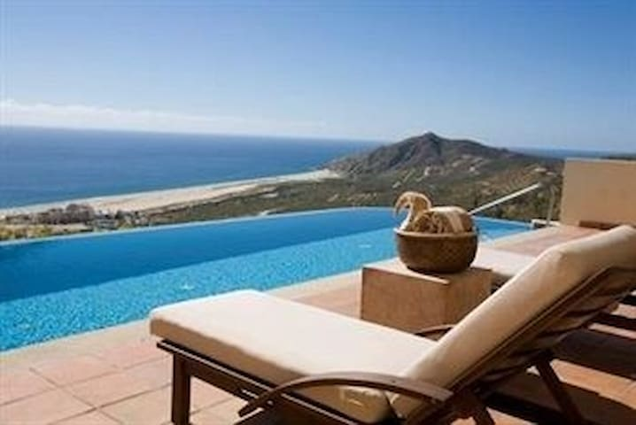 Cabo! Luxury 3-bedroom with private infinity pool