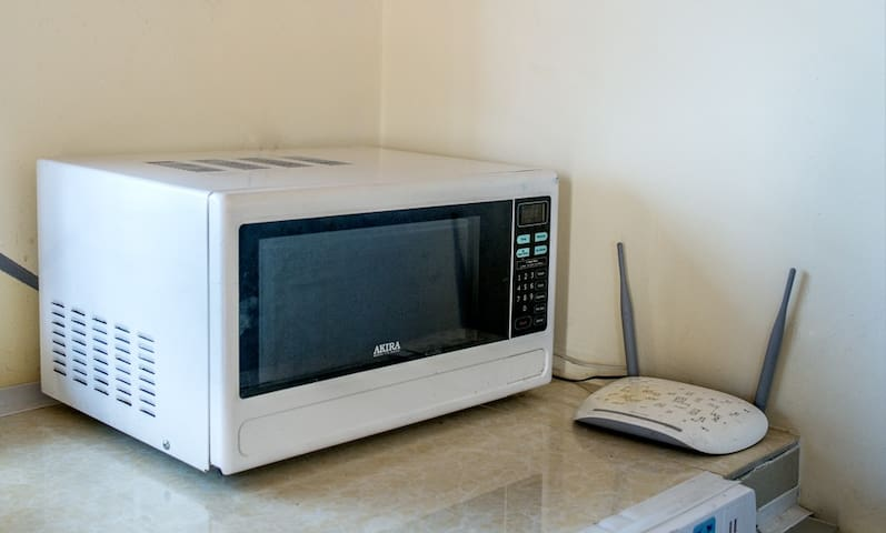 Микроволновая печь, роутер