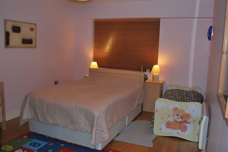 Double bedroom near Airport - Dublin