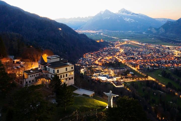 Miete das ganze Hotel Schloss  Wartenstein