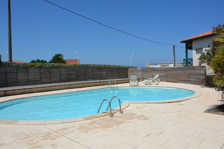 Superb apartment located in the popular Milady district, with sea view terr