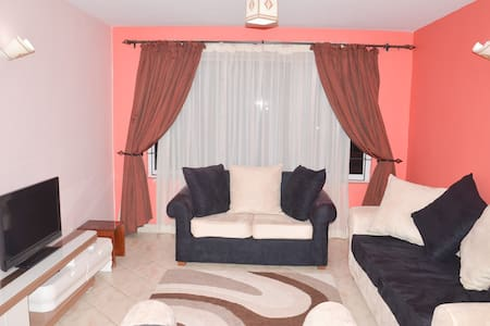 Sunny Amani House...cozy,beautiful 3br with Wi-Fi