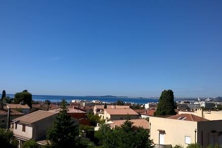 cagnes, vue sur la mer, calme et soleil - อองทีป - อพาร์ทเมนท์