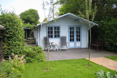 Vakantiehuisje Jeannette - Assen - 木屋